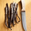 Vanilla pods with knife - Foto de Stock  