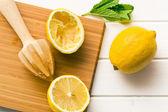 выжатый лимон фрукты и цитрусовые ример — Стоковое фото