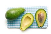 Halved avocados — 图库照片