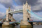 Ponte della famosa torre — Foto Stock