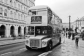 Vintage double decker bus in London — Stock Photo