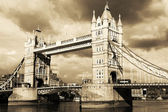 Vintage view of Tower Bridge — Stock Photo