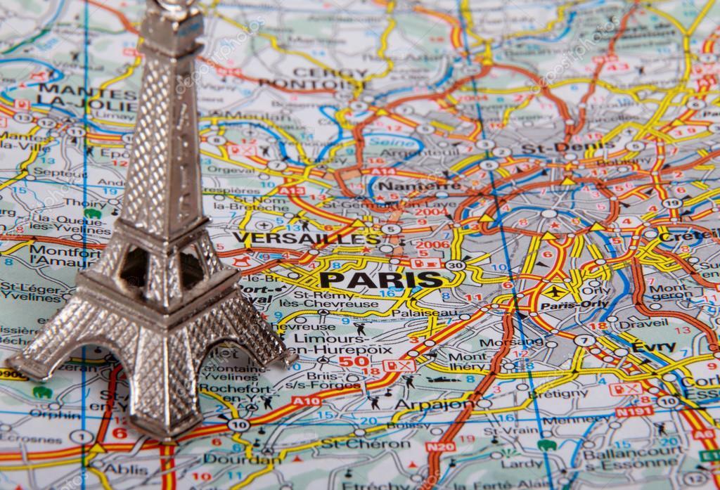 埃菲尔铁塔在巴黎地图上