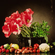 Flower-piece with fruit and vegetables — Foto de Stock