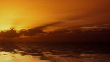 Wschód słońca nad oceanem — Wideo stockowe