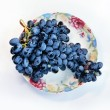 Grapes on plate — 图库照片