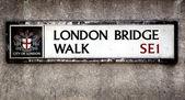 London bridge skylt 2 — Stockfoto