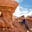 Female photographer in the Valley of Fire — Stock Photo