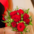 bouquet sposa di rose rosse — Foto Stock #12254757