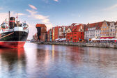 Old town of Gdansk at Motlawa river — Stock Photo