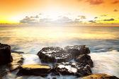 Idyllische zonsondergang over de atlantische oceaan — Stockfoto