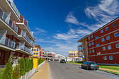 Street with new apartments — Stock Photo