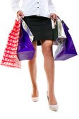 Donna in tacchi alti con le borse della spesa — Foto Stock