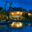 Oriental resort in Thailand at night — Foto Stock