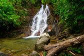 Beautiful scenery of Sai Rung waterfall — Stock Photo