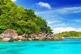 Idyllic bay on Similan islands — Stock Photo