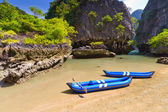 Kayak trip to the island on Phang Nga Bay — Stock Photo