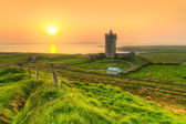 Doonagore castle at sunset in Co. Clare — Stock Photo