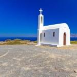 kleine witte kerk aan de zuidkust van Kreta — Stockfoto
