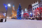 Old town of Gdansk in winter scenery with Christmas tree — Stock Photo