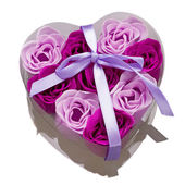 Gift box with roses as love symbol — Stock Photo