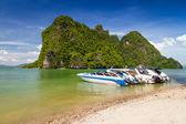 Motor boats on the coast of Phang Nga National Park — Stock Photo
