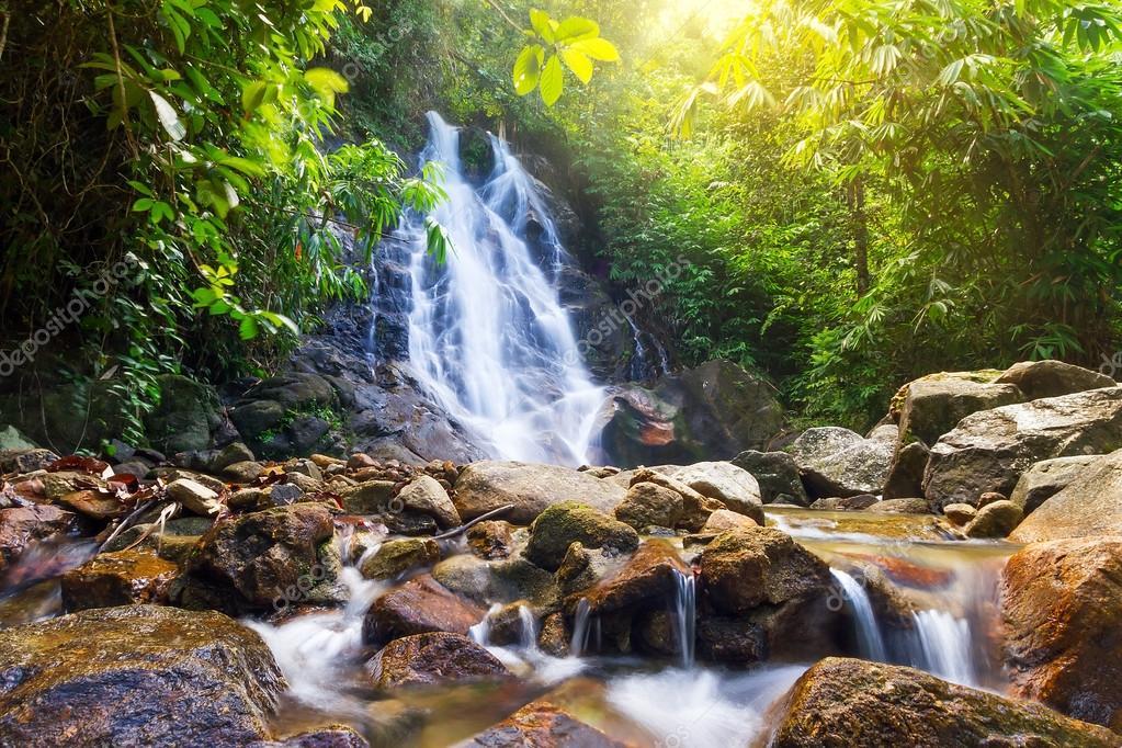 Фотообои Красивые ступени водопада Сай в Таиланде