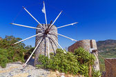 Ancient windmills of Lasithi Plateau on Crete — Stock Photo