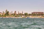 Luxor şehir sahil nil nehri üzerinde — Stok fotoğraf