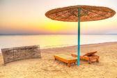 Holidays under parasol on the beach of Red Sea — Stock Photo
