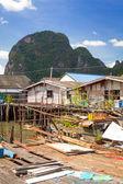 Koh Panyee settlement built on stilts of Phang Nga Bay — Stock Photo