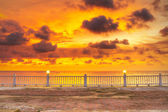 Magnifique coucher de soleil sur la mer d'andaman — Photo