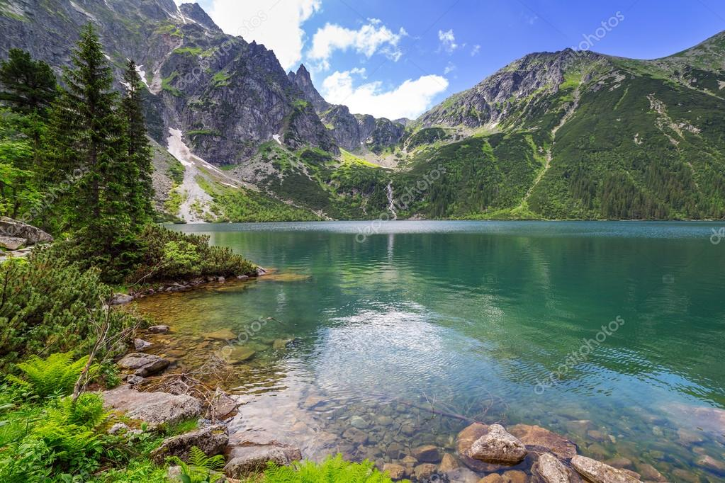 Фотообои Eye of the Sea lake in Tatra mountains