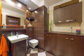 Brun och beige badrum — Stockfoto