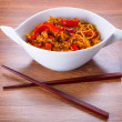 Chow mein noodles with chicken — Stock Photo