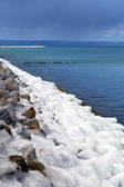 Icy Baltic sea coast at winter time — Stock Photo