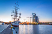 Sailing frigate in harbor of Gdynia — Stockfoto