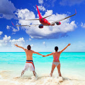 Couple on tropical holidays — Stock Photo