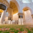 Interior of Sheikh Zayed Grand Mosque in Abu Dhabi — Stock Photo #44934603
