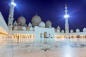 Sheikh Zayed Grand Mosque in Abu Dhabi — Stock Photo