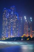 Geceleri binalar abu Dabi Etihad kuleleri — Stok fotoğraf