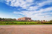 Emirates Palace and gardens in Abu Dhabi — Stock Photo
