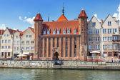 Centro storico di danzica al fiume motlawa a danzica — Foto Stock