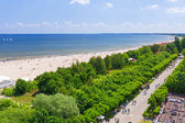People on the beach of Sopot at Baltic Sea — Stock Photo