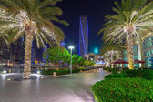 Promenade in Dubai Marina at night, UAE — Stock Photo