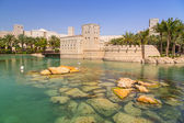 Architecture of Madinat Jumeirah resort in Dubai — Foto de Stock