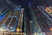 Skyline van dubai's nachts — Stockfoto