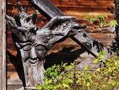 Rot med carving — Stockfoto