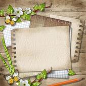 Espacio en blanco de papel con rama de cerezo en flor, mariposa, lápiz de — Foto de Stock