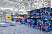 Estampage des lignes dans une usine automobile — Photo